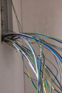 fils électriques sur Neuilly plaisance