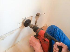 électriciens sur Chevilly larue creant une prise
